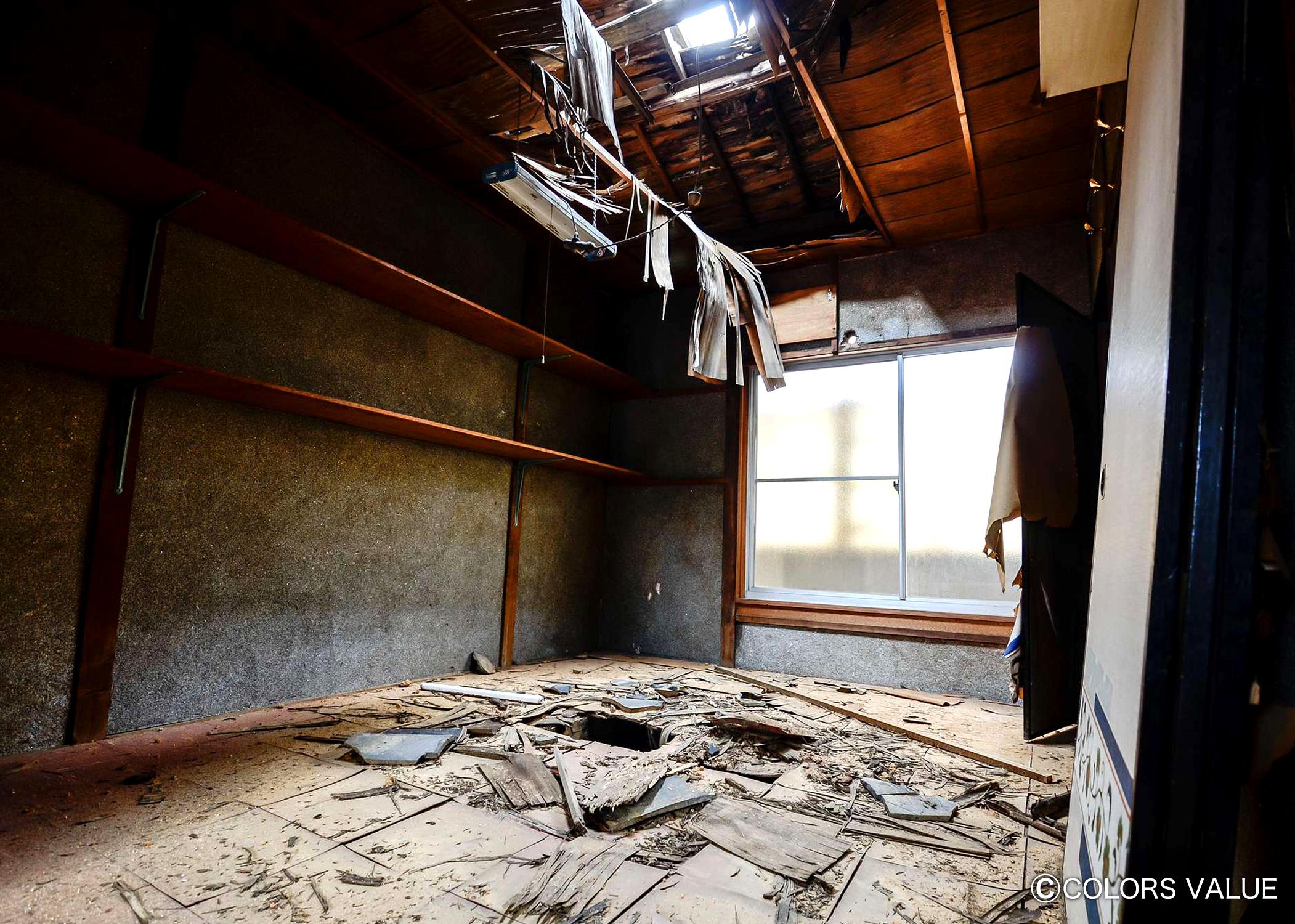 20年間雨ざらしで放置された元薬局店舗が駐車場付きの住み心地抜群の2DK戸建に大変身_04